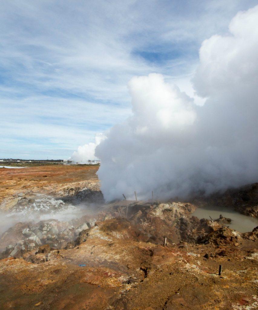 Hochtemperaturzone auf Island Geysire und Schwefelquellen