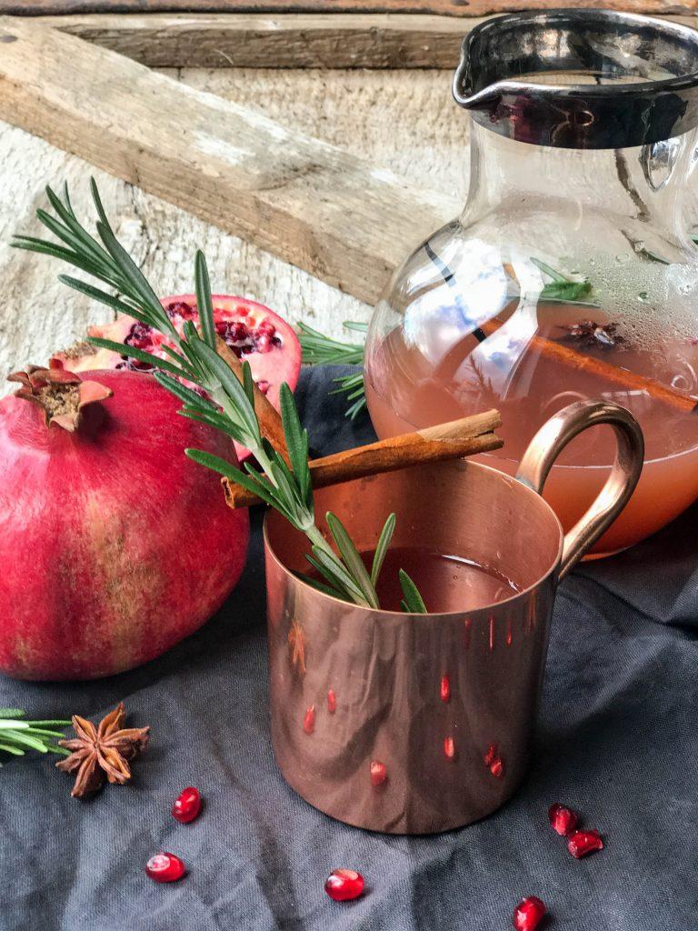 Kupferbecher nicht nur für Moscow Mule auch weihnachtlicher Kinderpunsch lässt sich daraus trinken und sieht sehr edel aus..