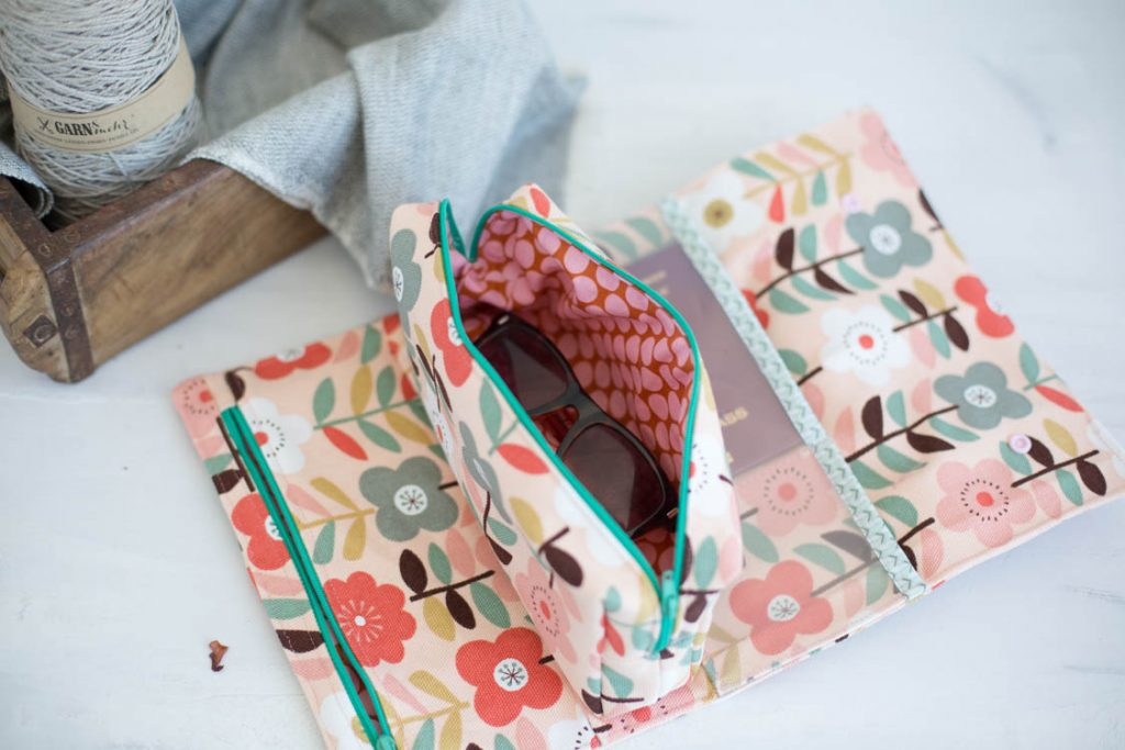 RollUp Tasche für Reiseunterlagen wunderbar geeignet. Mit rausnehmbarer Innentasche