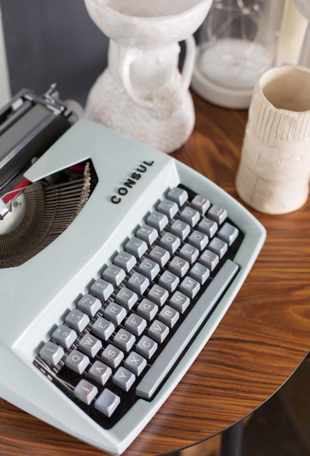 meine alte Schreibmaschine - ein Blickfang in unserer Wohnung oder im Haus