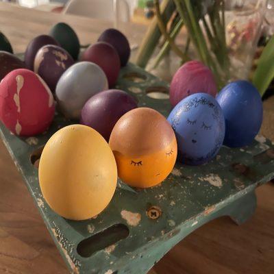 Über schöne Traditionen – Ostereier färben
